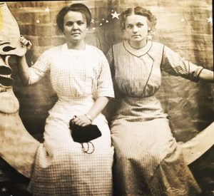 Mary Bastianelli (l) and Katie Pianalto (r).